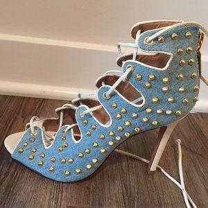 Schutz Denim studded heels 💋